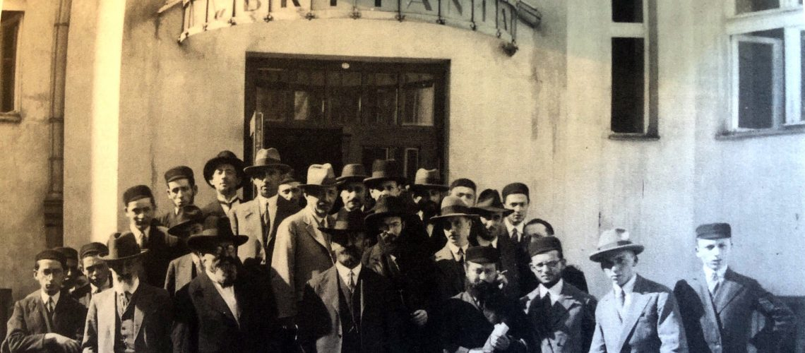 The participants of a 1931 tour of Poland undertaken by Agudath Israel and Keren HaTorah.