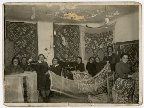 Bais Yaakov Rymanow sewing lace curtains